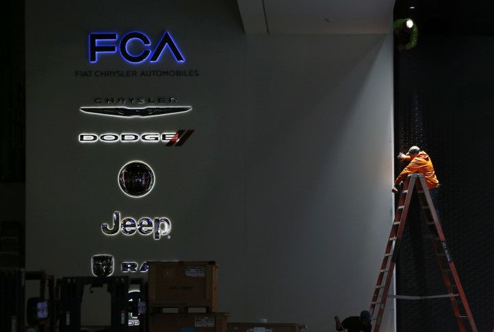 Chrysler recalls 1.9 million vehicles over air-bag, seat-belt defects
