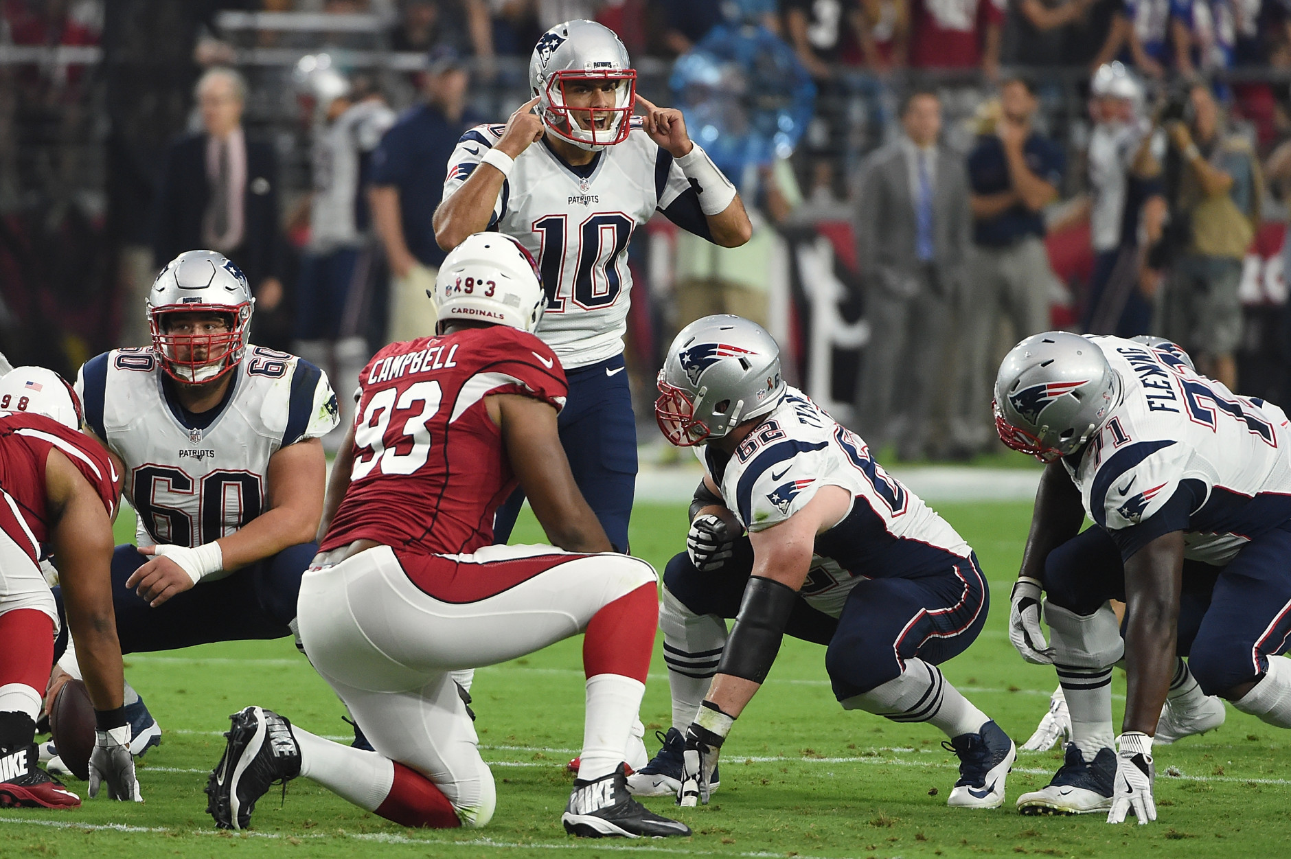 GLENDALE, AZ - SEPTEMBER 11: Quarterback Jimmy Garoppolo #10 of the New England Patriots calls a play on the line of scrimmage in the first quarter of the NFL game against the Arizona Cardinals at University of Phoenix Stadium on September 11, 2016 in Glendale, Arizona.  (Photo by Norm Hall/Getty Images)