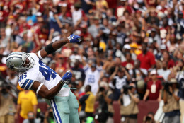 LANDOVER, MD - SEPTEMBER 18: Running back Alfred Morris #46 of the Dallas Cowboys celebrates after scoring a fourth quarter touchdown against the Washington Redskins at FedExField on September 18, 2016 in Landover, Maryland. (Photo by Patrick Smith/Getty Images)