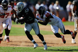 OAKLAND, CA - SEPTEMBER 18: Jamize Olawale #49 of the Oakland Raiders runs with the ball against the Atlanta Falcons during their NFL game at Oakland-Alameda County Coliseum on September 18, 2016 in Oakland, California. (Photo by Jason O. Watson/Getty Images)