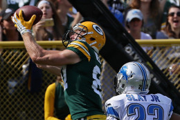 GREEN BAY, WI - SEPTEMBER 25: Jordy Nelson #87 of the Green Bay Packers catches a touchdown pass in the second quarter over Darius Slay #23 of the Detroit Lions at Lambeau Field on September 25, 2016 in Green Bay, Wisconsin. (Photo by Jonathan Daniel/Getty Images)