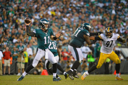 PHILADELPHIA, PA - SEPTEMBER 25:   Quarterback Carson Wentz #11 of the Philadelphia Eagles looks to pass against the Pittsburgh Steelers in the fourth quarter at Lincoln Financial Field on September 25, 2016 in Philadelphia, Pennsylvania.  (Photo by Alex Goodlett/Getty Images)