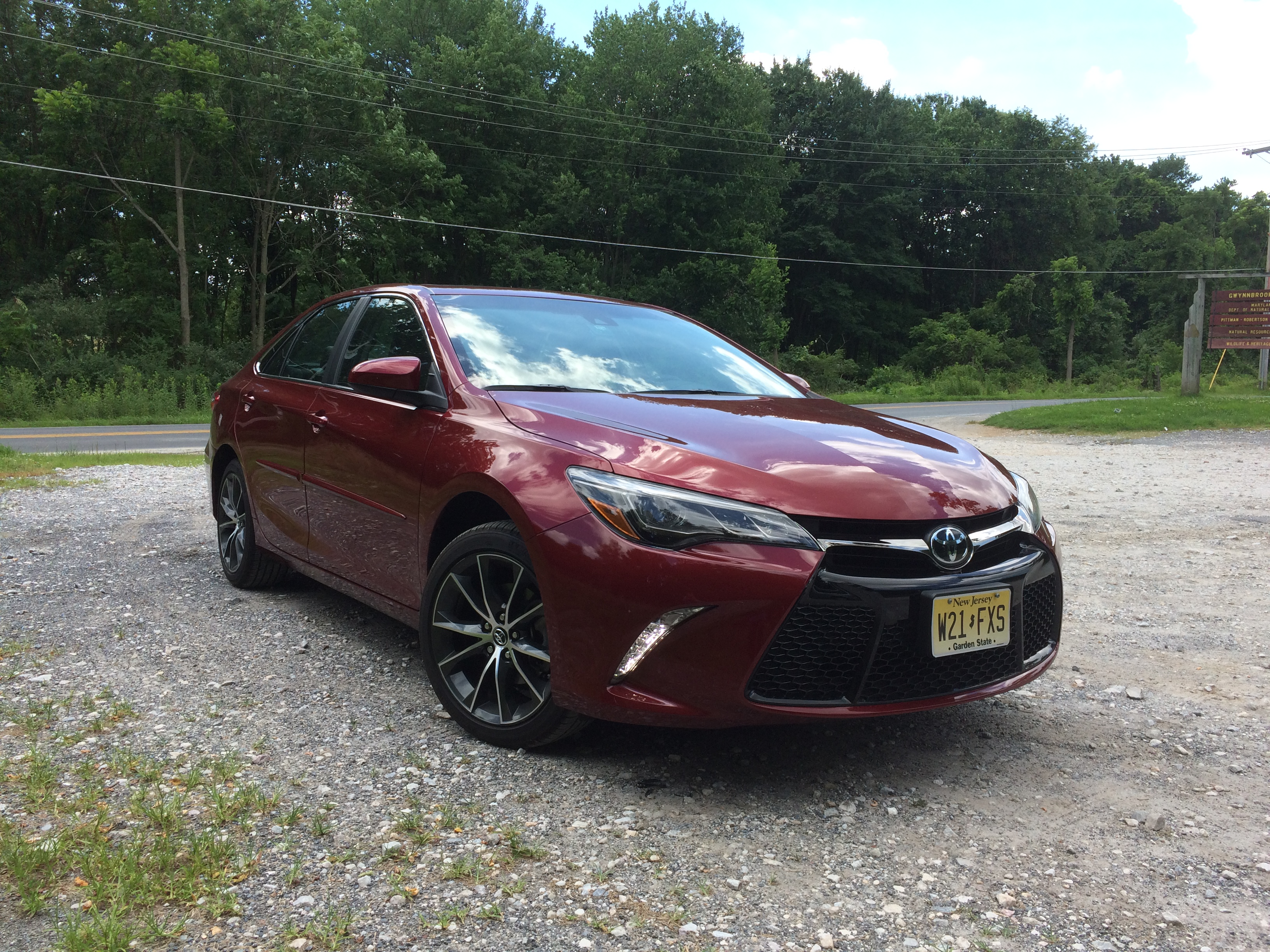 The 2016 Camry Xse Adds A Bit Of Sport To Toyota S Lineup