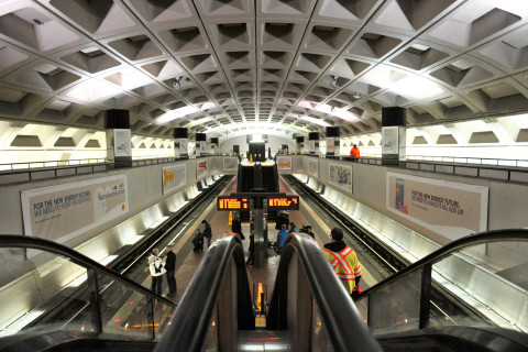 Metro officials probe repeat radio problems after Red Line riders bail