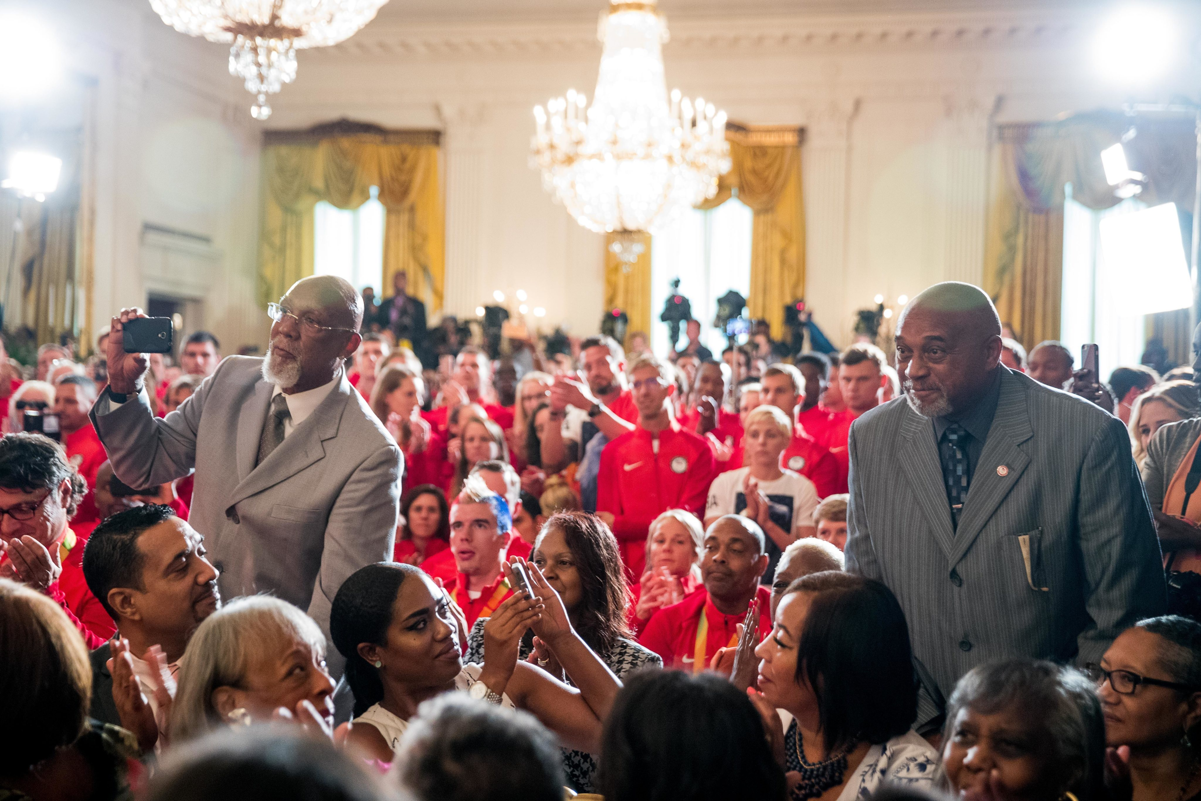 Obama welcomes relatives of 1936 African-American Olympians | WTOP