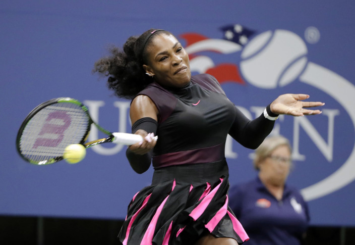 Serena Dismisses Larsson to Reach US Open Round of 16
