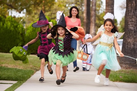 Tips to keep trick-or-treaters safe this Halloween