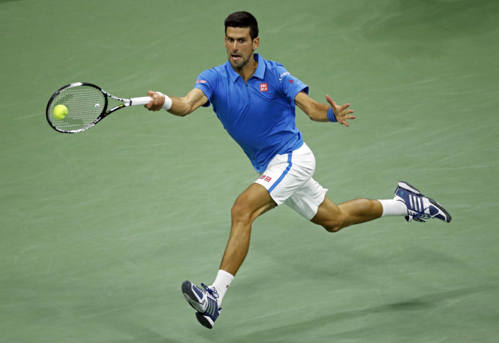 Djokovic advances to semis after another shortened match