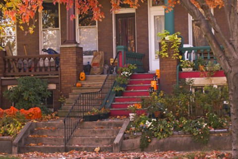 3 expert tips to cozy up your home this fall