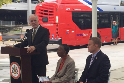 Metro GM warns riders: Stay on train, even if it's stopped