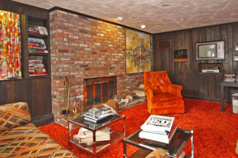 Groovy 1970s home for sale includes original funky furniture