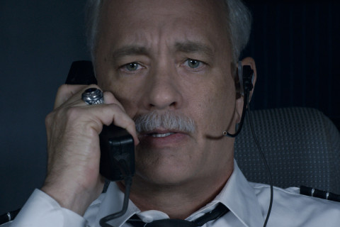 Review: Tom Hanks soars in the true heroics of Eastwood's 'Sully'