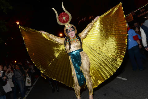 Drag queens pull out all the stops for annual High Heel Race