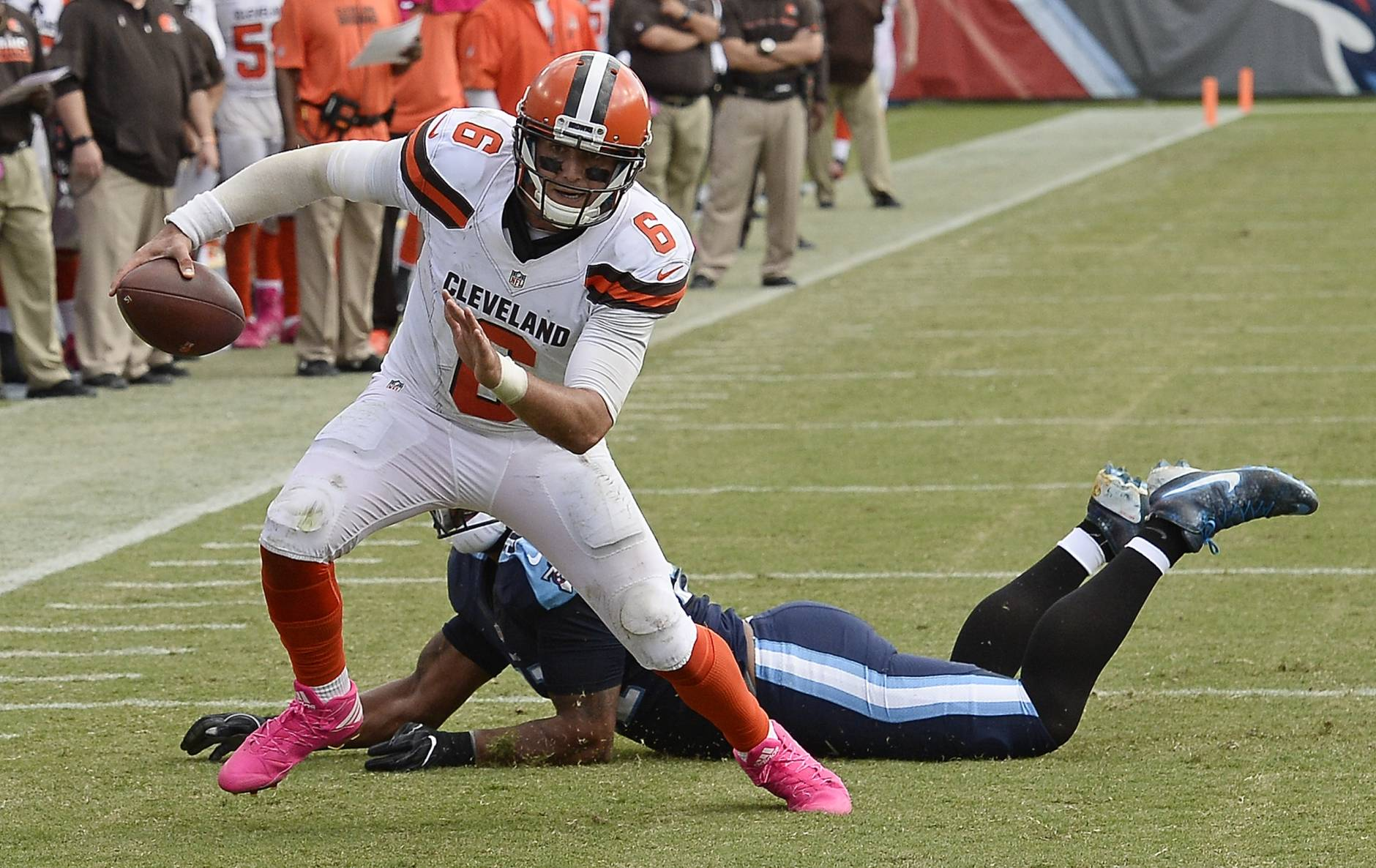 ... USA Cleveland Browns quarterback Cody Kessler Cody Kessler throws for  336 yards in Browns latest loss WTO Nov 6 ... 6f2dfc8bd