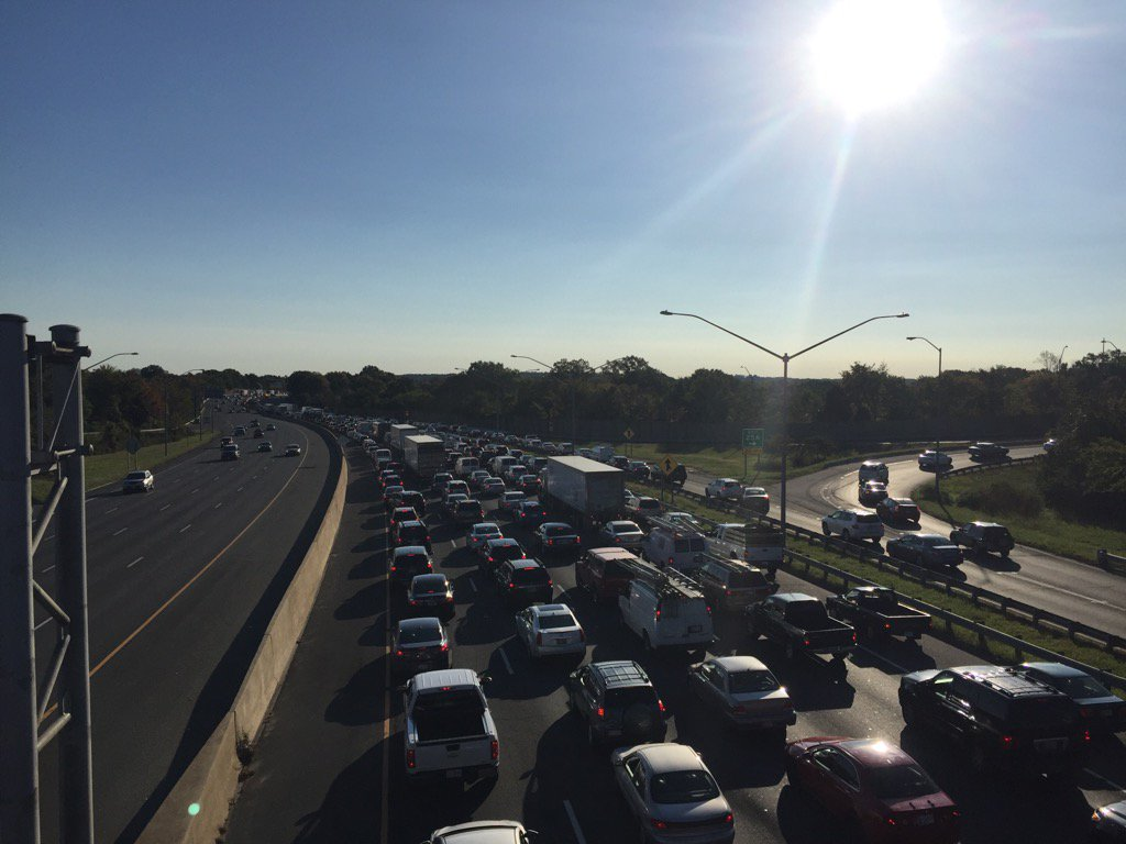 The view of the Beltway in College Park Sunday,  Oct. 23, 2016 after a car crash. (WTOP/Dennis Foley)