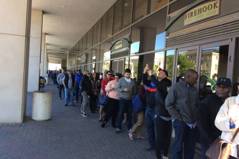 First day of early voting draws big crowd in DC