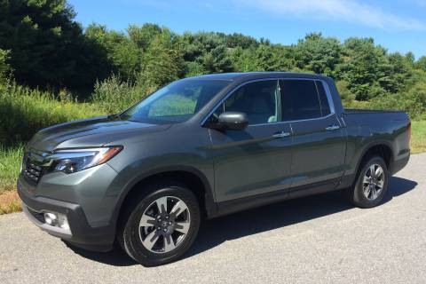 2017 Honda Ridgeline AWD: The crossover of pickup trucks is back for a second round