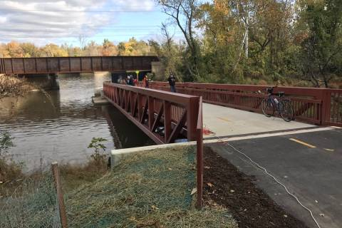 Missing bike trail link opens new commuting options