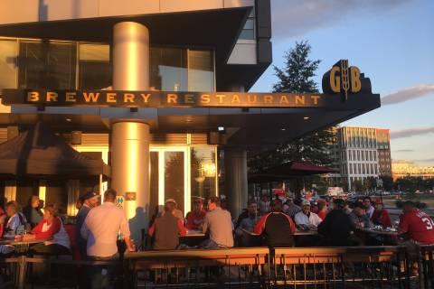 Nats' postseason big win for restaurants near ballpark