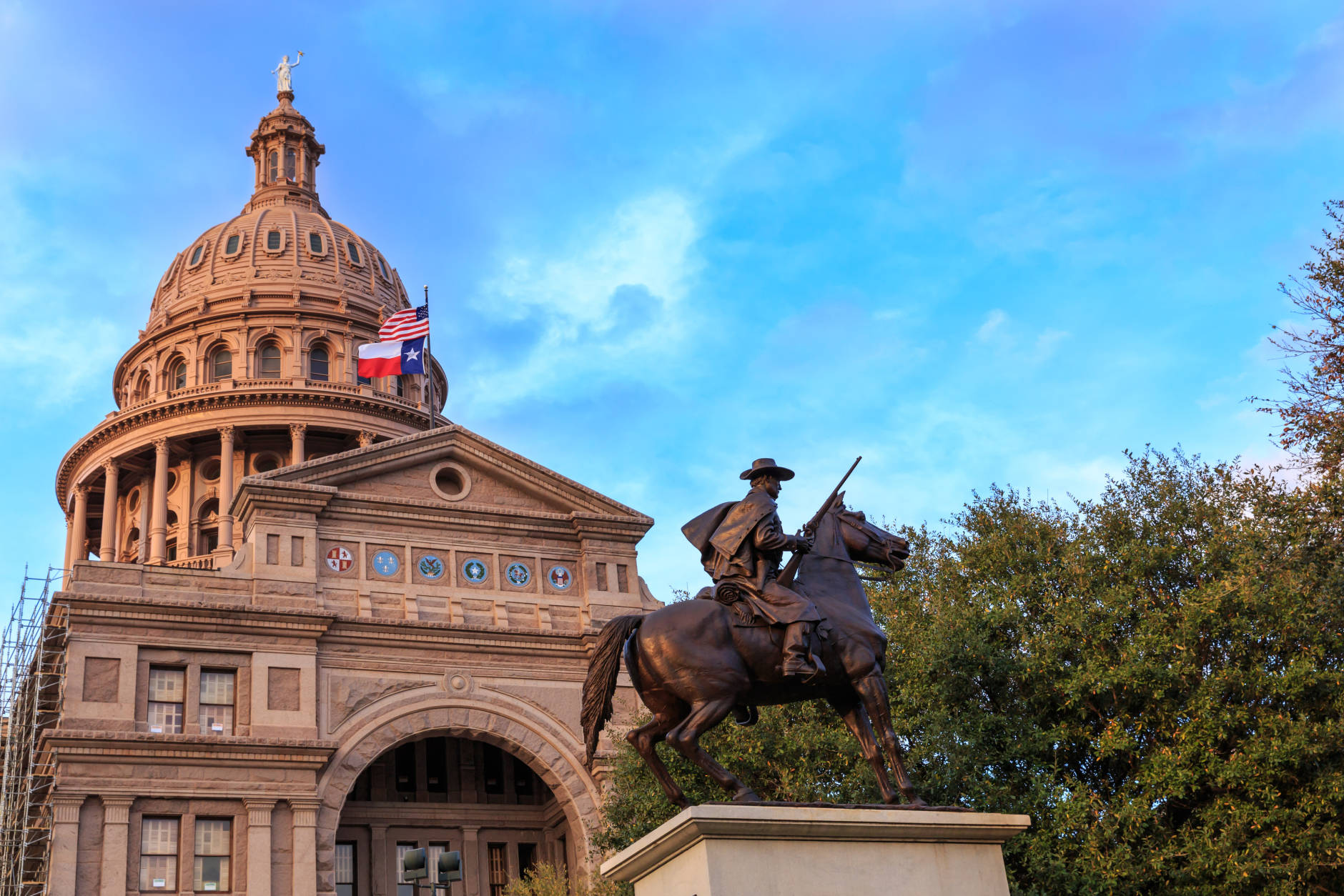 "<strong>The Best Big U.S. Cities of 2016 according to Condé Nast Traveler readers</strong>  15. Austin, Texas  Texas has two cities in Condé Nast Traveler's ""The Best Big U.S. Cities."" Austin has a reputation of being one of the country's hippest cities. (Getty Images/iStockphoto/TriciaDaniel)"