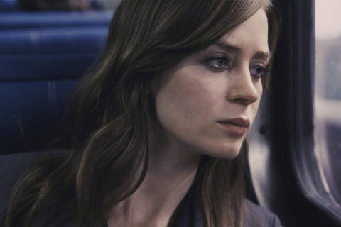 Review: Emily Blunt keeps 'The Girl on the Train' on the rails