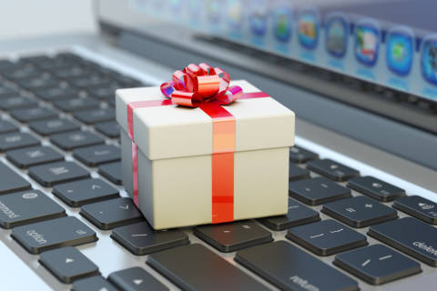 4 things to know before online shopping this holiday
