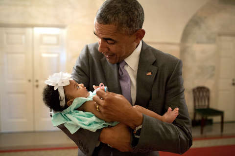 Images from Obama presidency: Obama with children