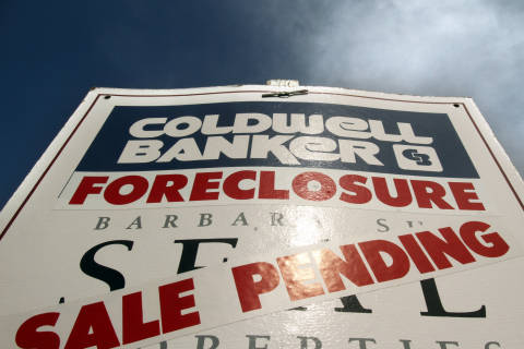 Foreclosures down 70 percent from peak; Washington follows trend