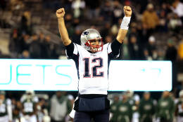 EAST RUTHERFORD, NJ - NOVEMBER 27:  Tom Brady #12 of the New England Patriots celebrates against the New York Jets during the fourth quarter in the game at MetLife Stadium on November 27, 2016 in East Rutherford, New Jersey.  (Photo by Michael Reaves/Getty Images)