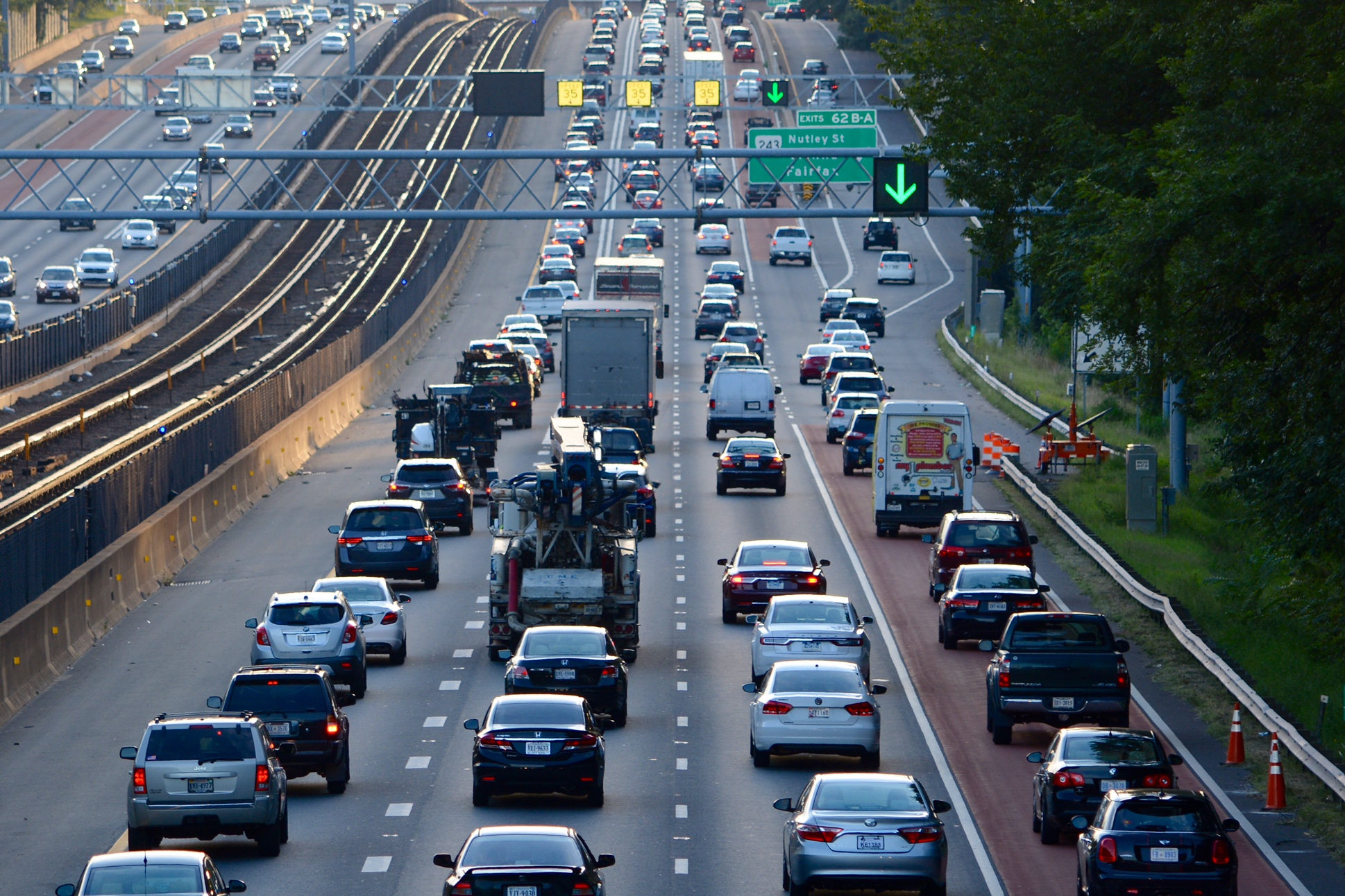 New bill seeks to extend I-66 exemption for hybrid commuters | WTOP