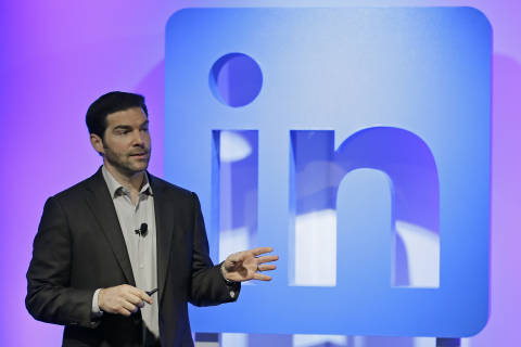 How to write a recommendation on LinkedIn