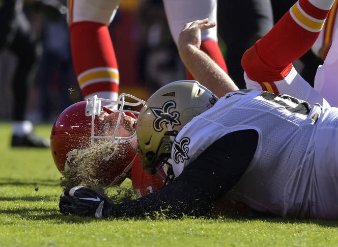 Chiefs' Ware passes concussion test, Houston could be back