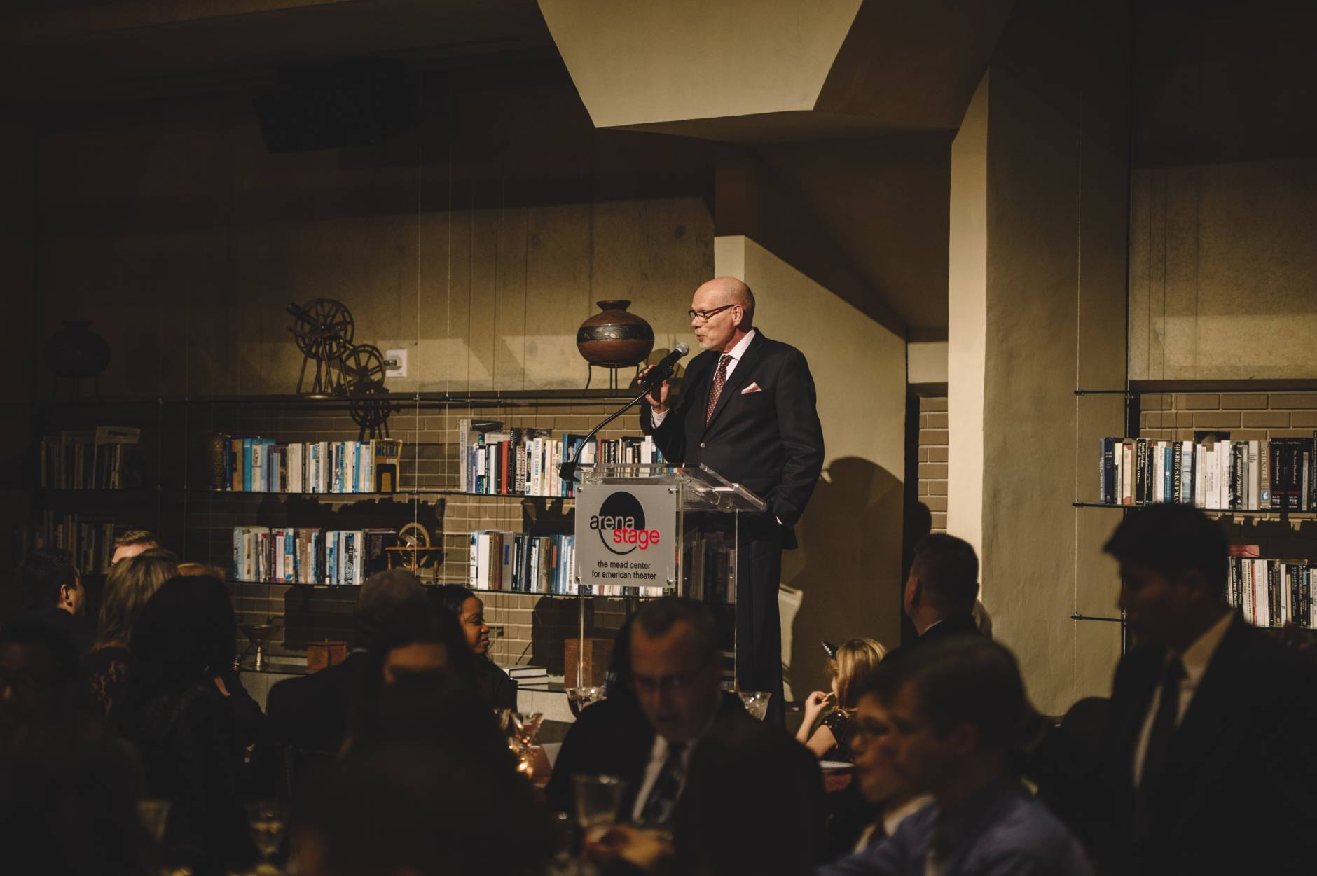 In this photo, Arena Stage Executive Director Edgar Dobie addresses dinner guests. (Photo by Cameron Whitman)