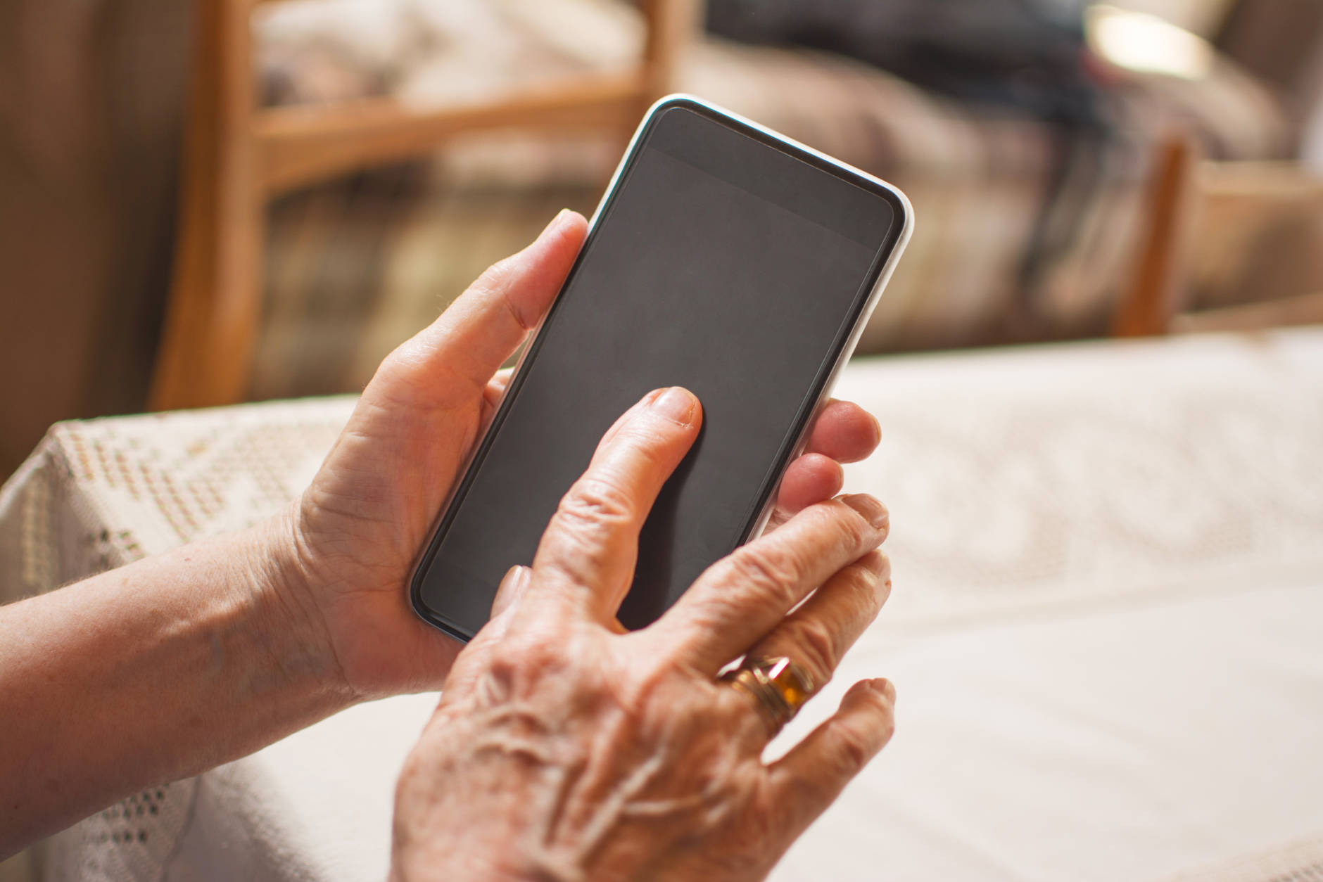 Prince George's County Fire/EMS is launching a new program to provide frequent 911 callers with more healthcare options and free up emergency responders. (Getty Images/iStockphoto)