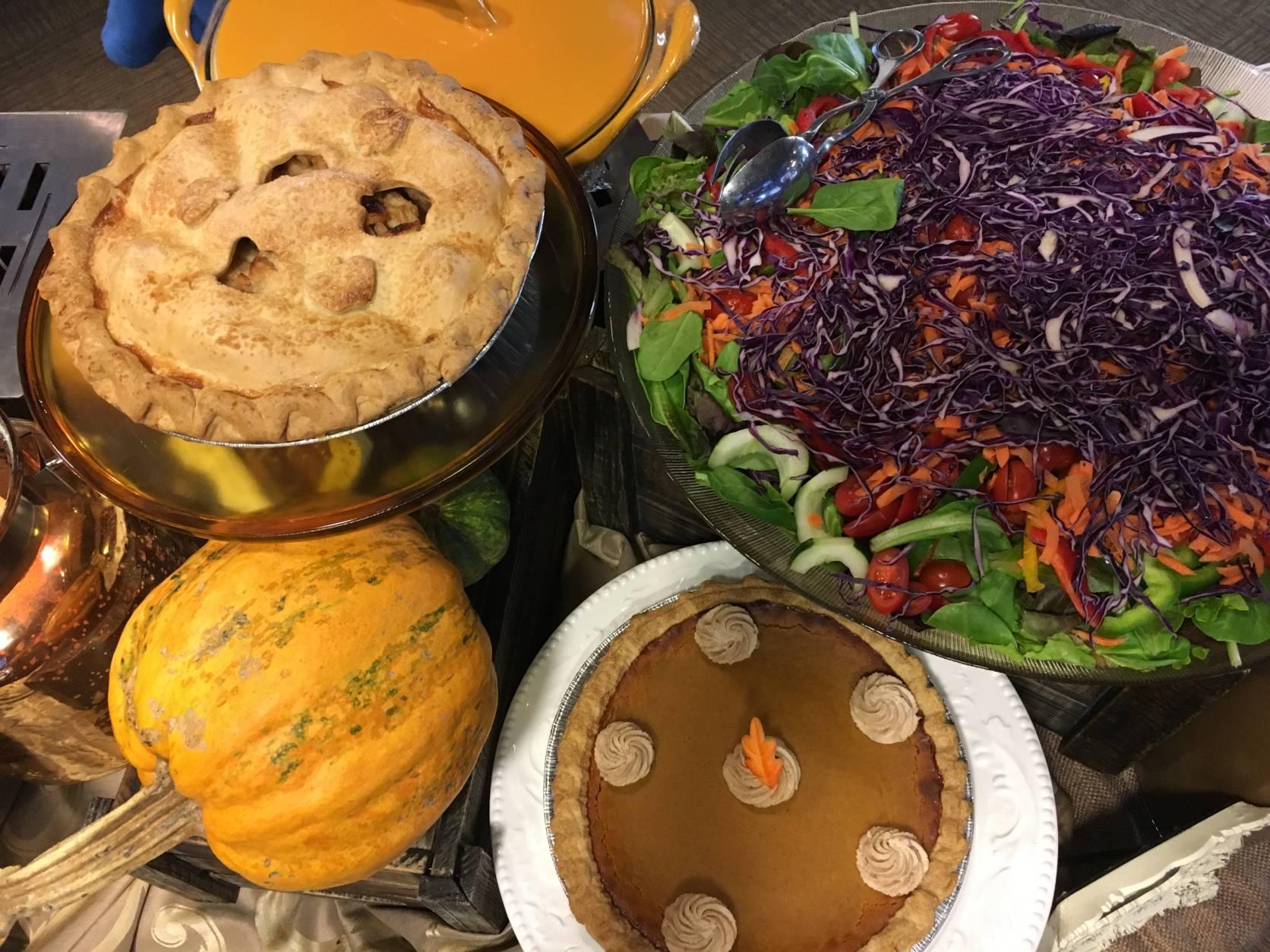 Pumpkin and Apple Pies (WTOP/Vlahos)