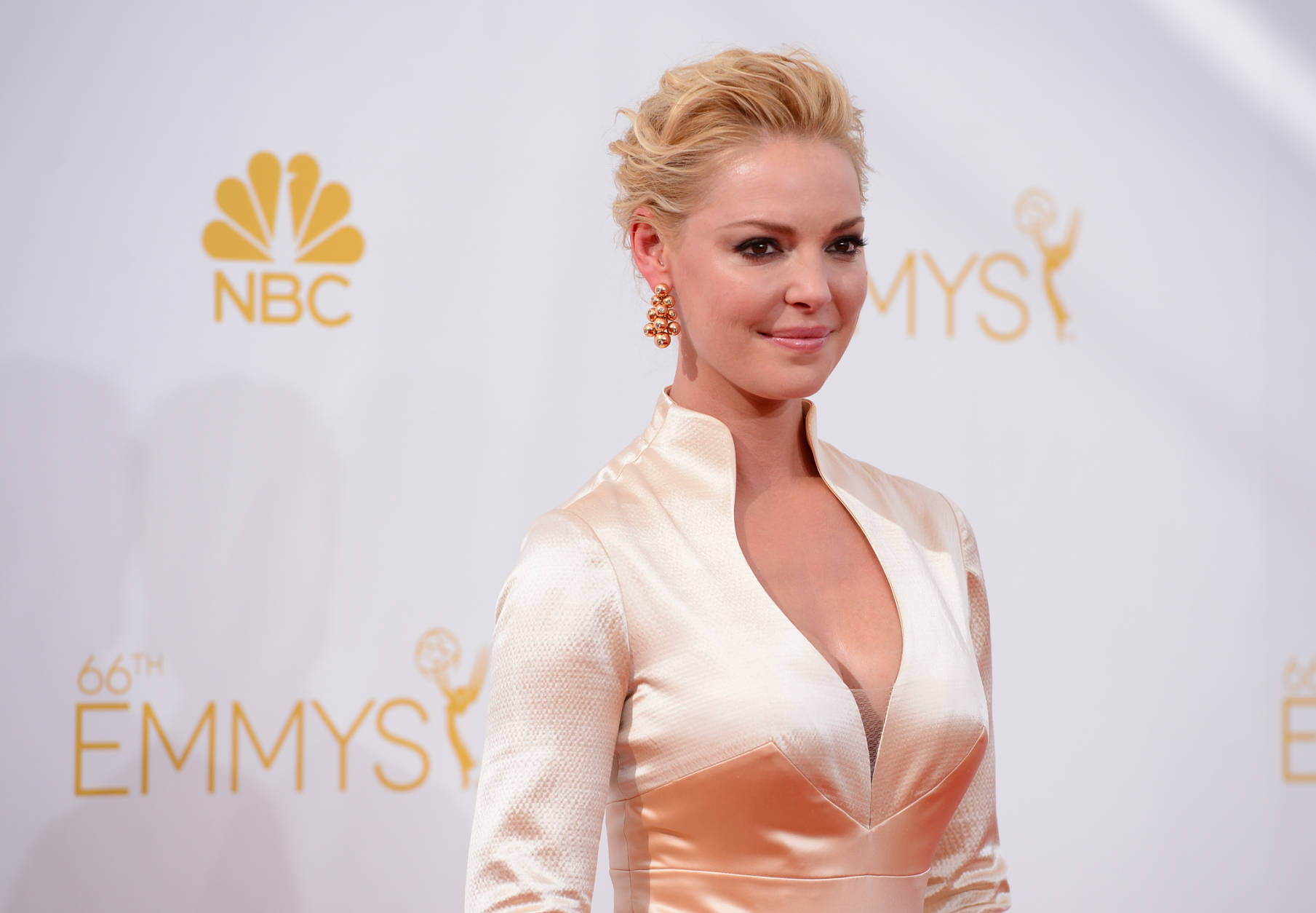 Katherine Heigl arrives at the 66th Annual Primetime Emmy Awards at the Nokia Theatre L.A. Live on Monday, Aug. 25, 2014, in Los Angeles. (Photo by Jordan Strauss/Invision/AP)