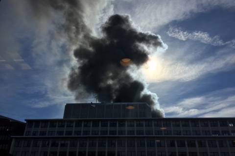 Fire at downtown DC building snarls roads