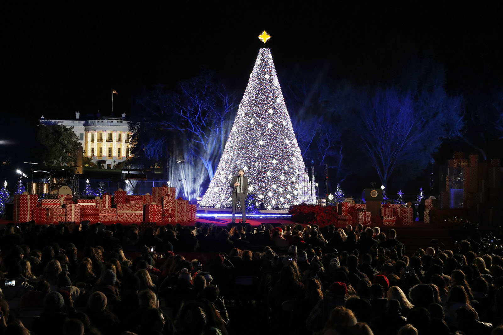 national christmas tree lighting hosts named wtop - White House Christmas Tree Lighting