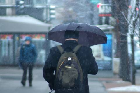 School closings, delays announced ahead of DC area's wintry mix