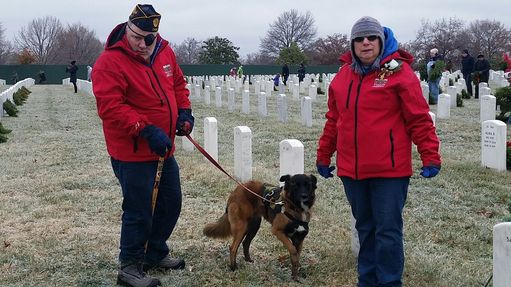 44,000 volunteers visited Arlington National Cemetery to participate in the Wreaths Across America ceremony to honor veterans Saturday, Dec. 17, 2016. (WTOP Kathy Stewart)