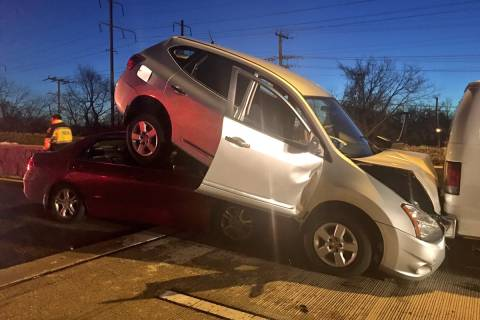 3 crashes snarl area roads during Thursday-morning commute