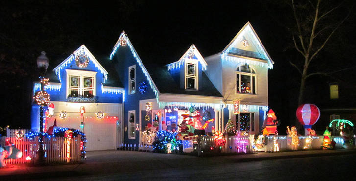 like a house out of a fairy tale this fairfax house lights up its neighborhood until jan 1