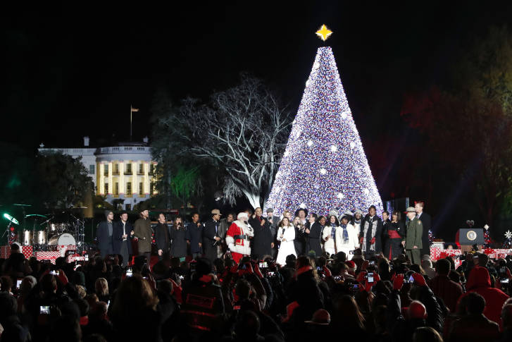 Visitors Use Their Cell Phone Cameras To Capture The Moment Of The 2016  National Tree Lighting. Experts Warn Consumers Should Rely Only On Cellular  ...