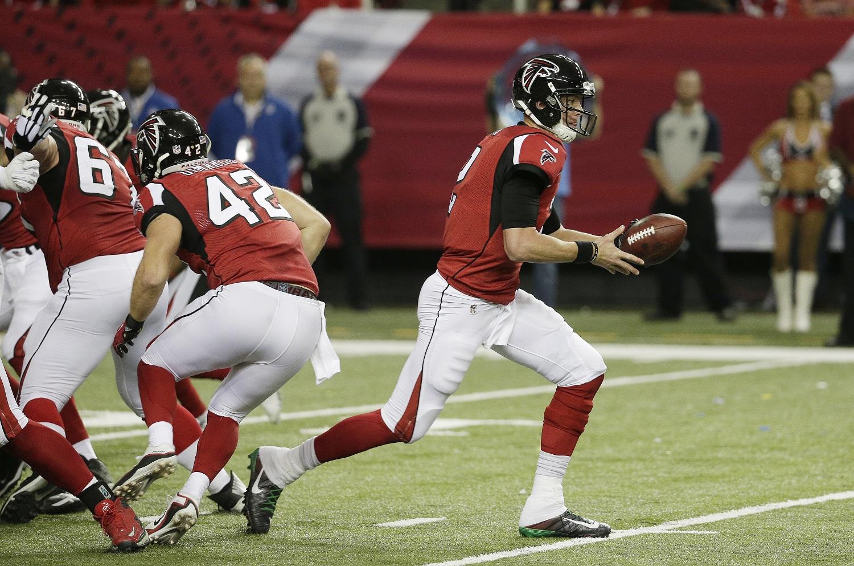 Atlanta Falcons quarterback Matt Ryan (2) works against the Kansas City Chiefs during the first half of an NFL football game, Sunday, Dec. 4, 2016, in Atlanta. (AP Photo/Chuck Burton)