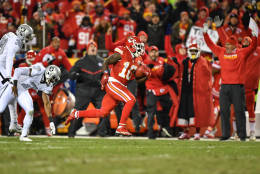 KANSAS CITY, MO - DECEMBER 8: Wide receiver Tyreek Hill #10 of the Kansas City Chiefs breaks beyond the Oakland Raiders last line of defense en route to a punt return touchdown at Arrowhead Stadium during the second quarter of the game on December 8, 2016 in Kansas City, Missouri. (Photo by Peter Aiken/Getty Images)
