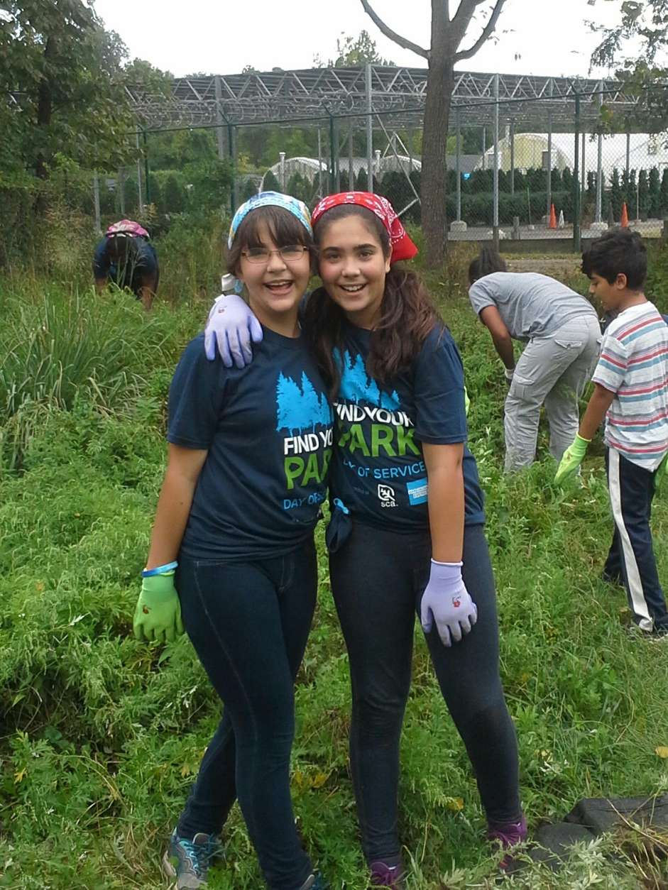 Leah Barash, right, is involved in her community through girl scouts. (Courtesy Praneetha Arthur)