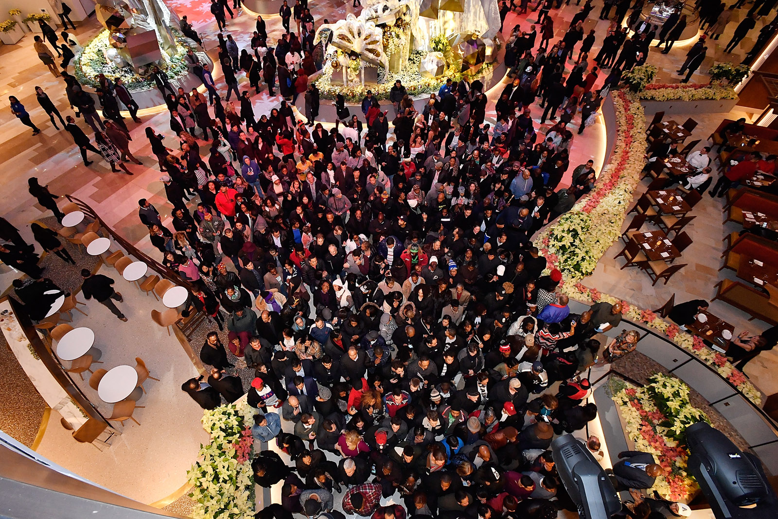 Guests arrive at the MGM National Harbor Grand Opening on December 8, 2016 in National Harbor, Maryland.  (Photo by Larry French/Getty Images for MGM National Harbor)