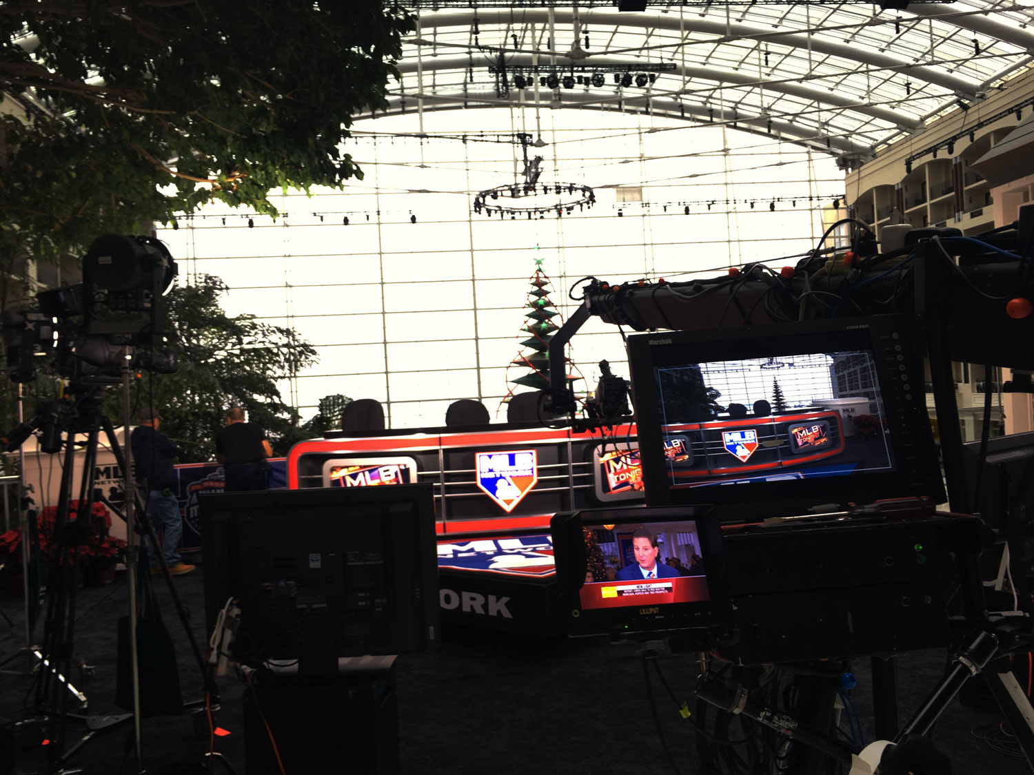The MLB Network set looking out over the Potomac River on the media level of the hotel. (WTOP/Noah Frank)