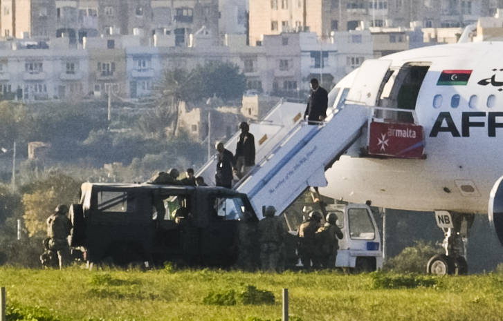 Hijackers divert Libyan plane to Malta, threaten to blow it up