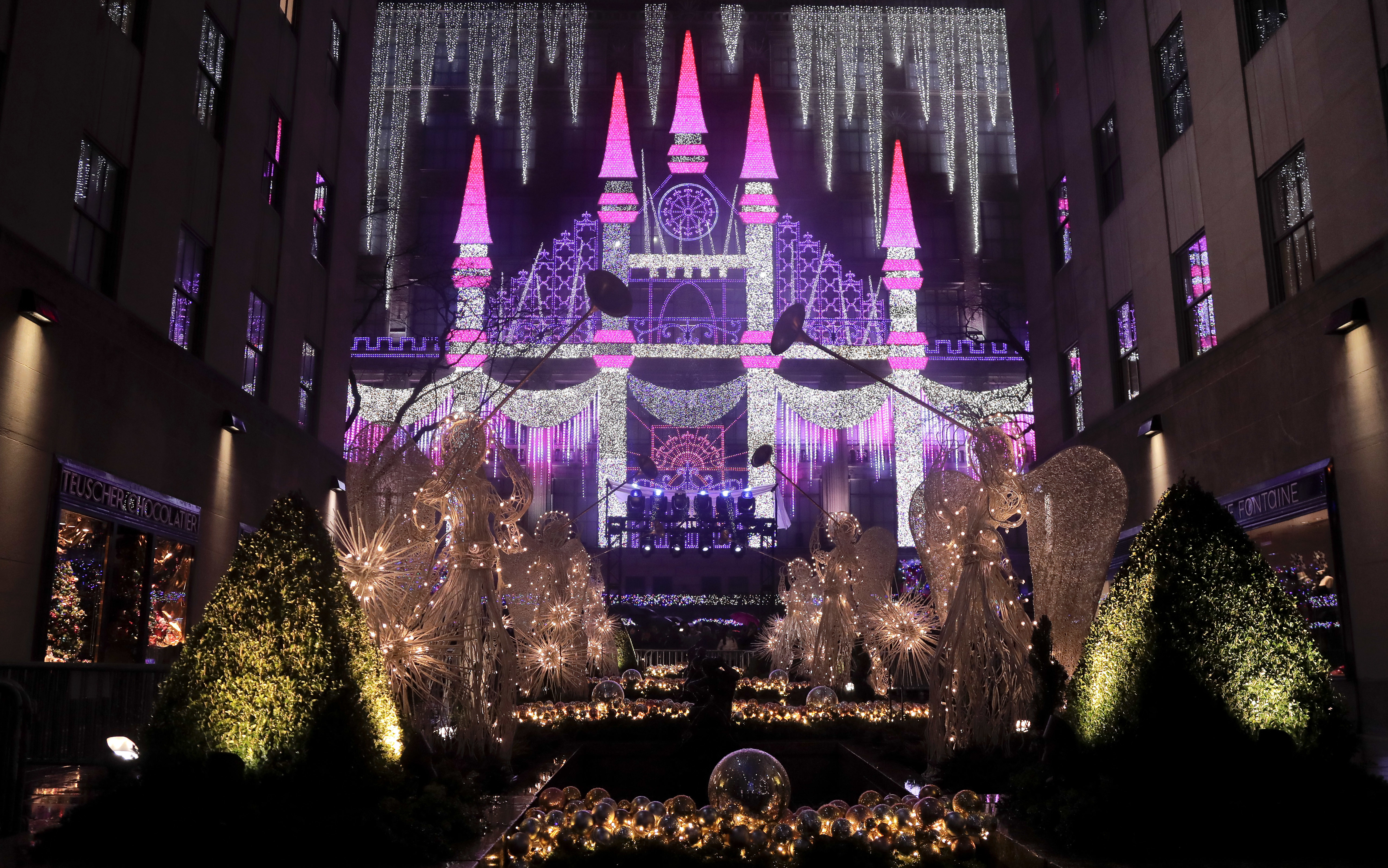 looking for some christmas sparkle and fun find it here wtop - Rockefeller Christmas Show